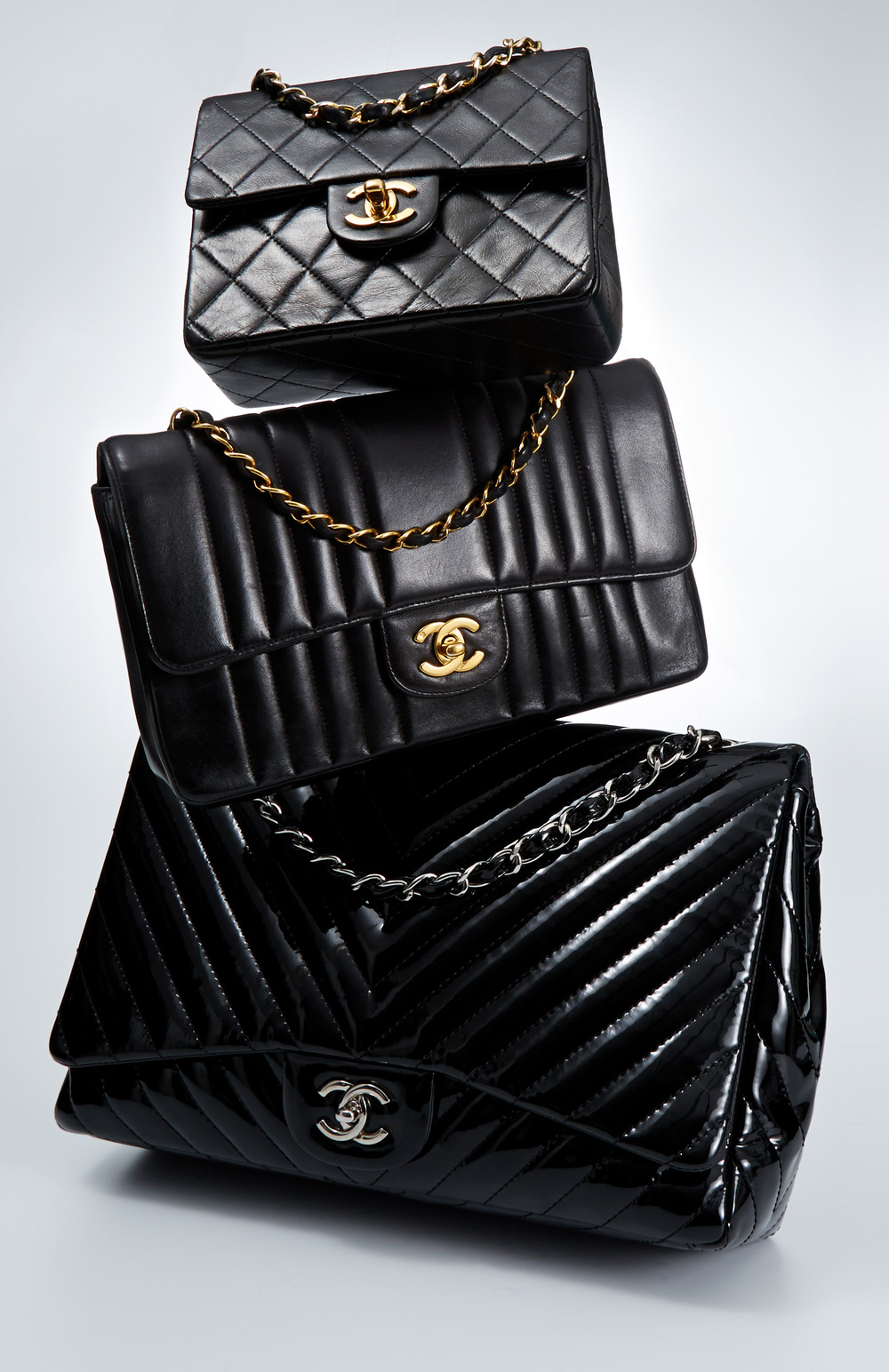 VINTAGE_CLASSIC_BLACK_HANDBAGS_REPEAT_WACC_1084595863_EDITORIAL_124.jpg