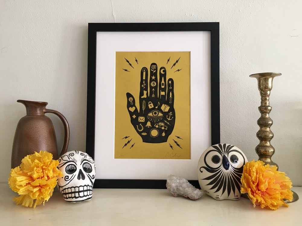 Mano con Ojo Print, Black on Gold