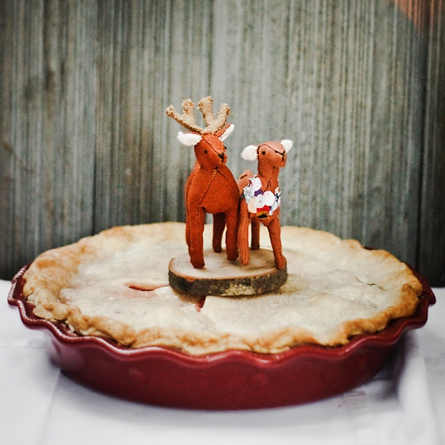 Deer-topped pumpkin pie found at the Blissful Whimsy Events blog.