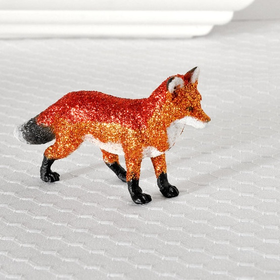 Buy or DIY glittery foxes for table decor (pictured fox from Etsy.com).