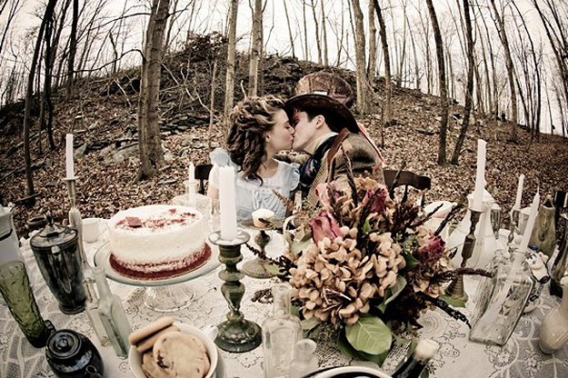 Alice in Wonderland theme wedding - Photo found on BitRebels.com