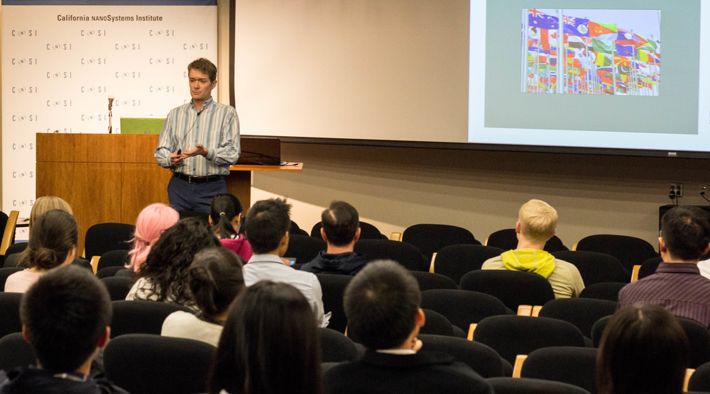 Jared Redick presents to graduate students and postdoctoral scholars at the UCLA Professional Development Conference 2015 (photo credit: UCLA career center)