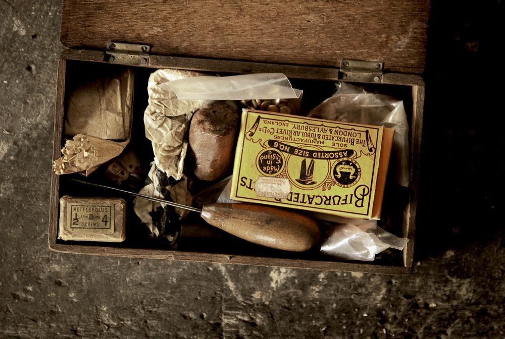 oldwoodenbox1.jpg