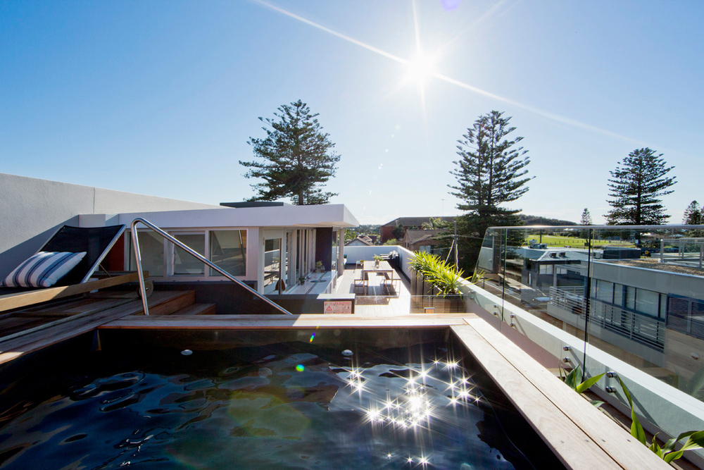Roof top plunge pool and entertaining are