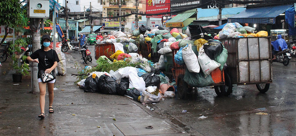 Typical level of waste management in Ho Chi Minh City (image from fdi-vietnam.com)