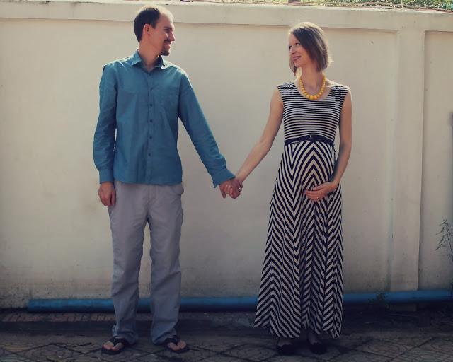Journey Mercies - third trimester DIY maternity photos (pregnancy, baby bump)