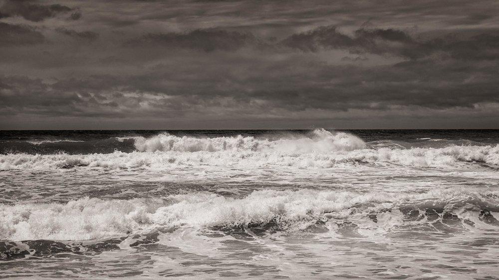 HELEN TRENERRY Photographer - Seascape - Dark Wash