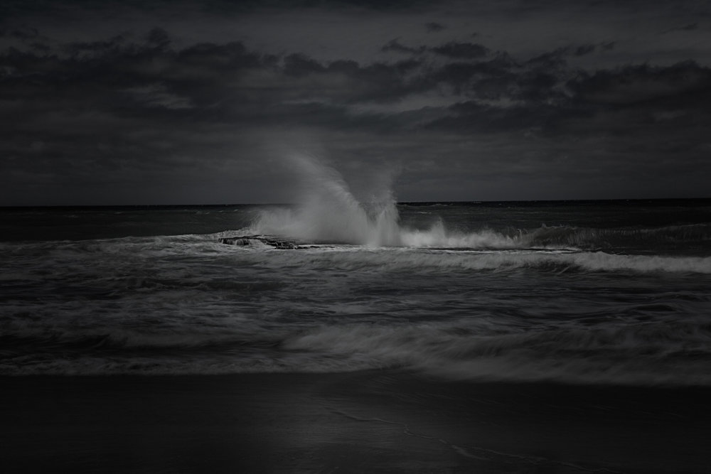 HELEN TRENERRY Photographer - Seascape - Dark Wave
