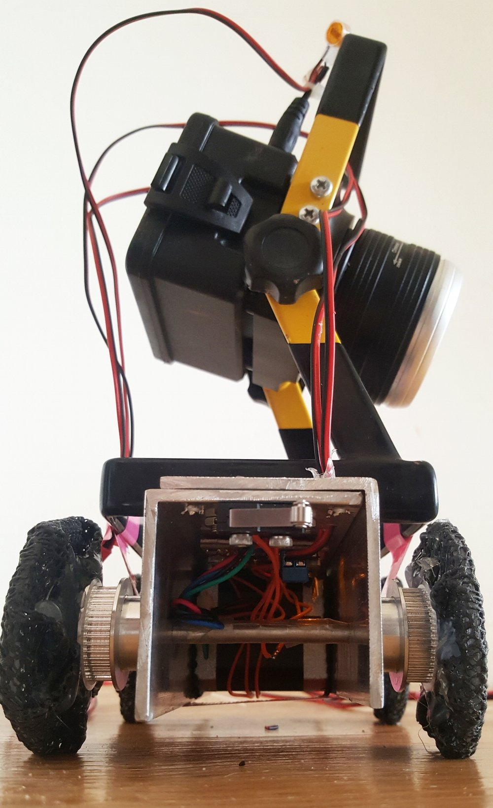 SpotBot - Sideview
