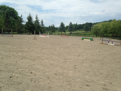 Hunter/Jumper ring with sand/rubber mix footing