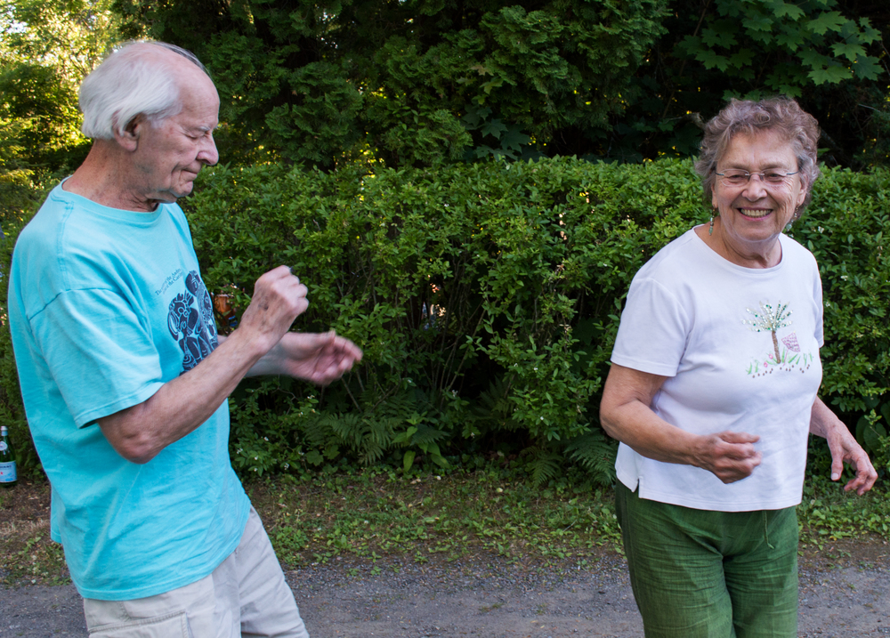 Wayne and Mary Petrin dancing to Viva Quetzal's Wednesday Folk Traditions concert on June 22, 2016