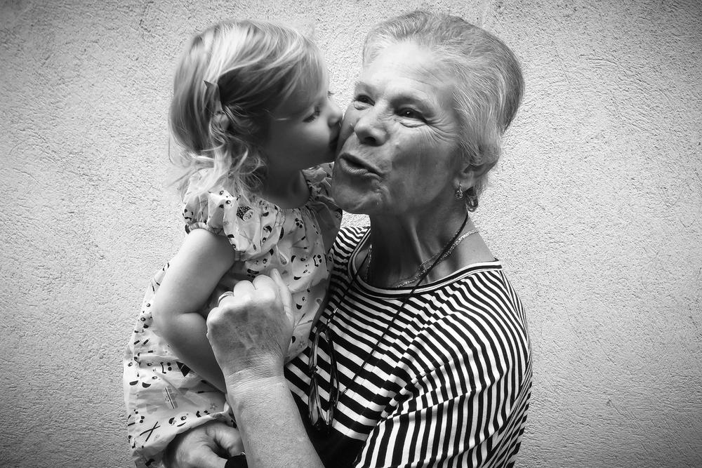Adopted Grandma. Villeneuve-Minervois