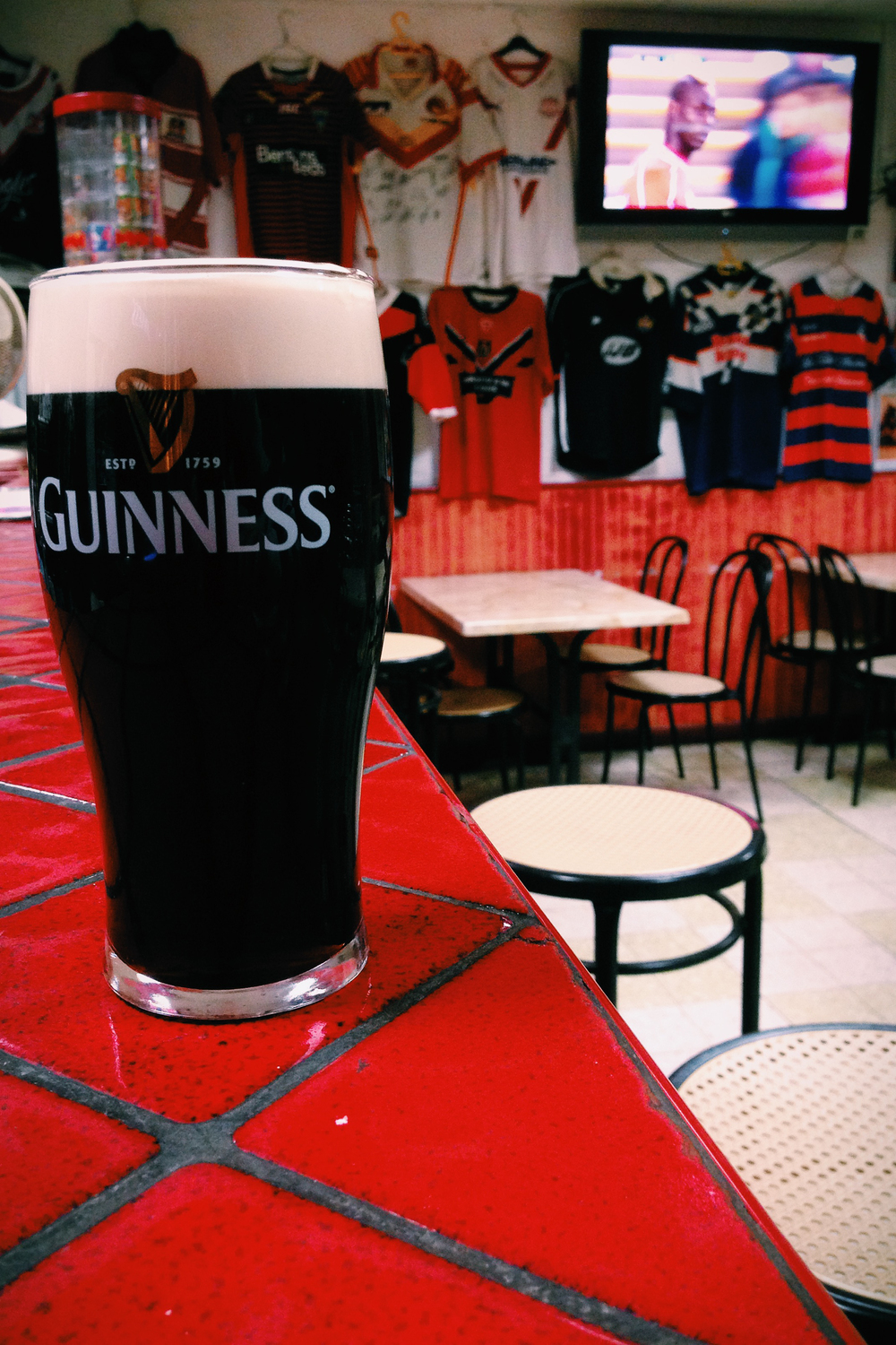 Guinness and Balotelli. Villeneuve-Minervois