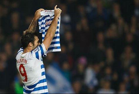 Charlie Austin le dedica su gol a una aficionada fallecida. (Fotografía: QPR FC)
