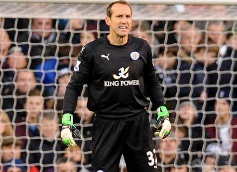 Mark Schwarzer disputó su tercer partido con la camiseta del Leicester (Fotografía: Leicester City)
