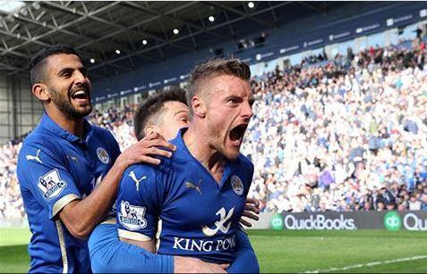 Jamie Vardy celebra el gol de la victoria en el descuento (Fotografía: Leicester City)