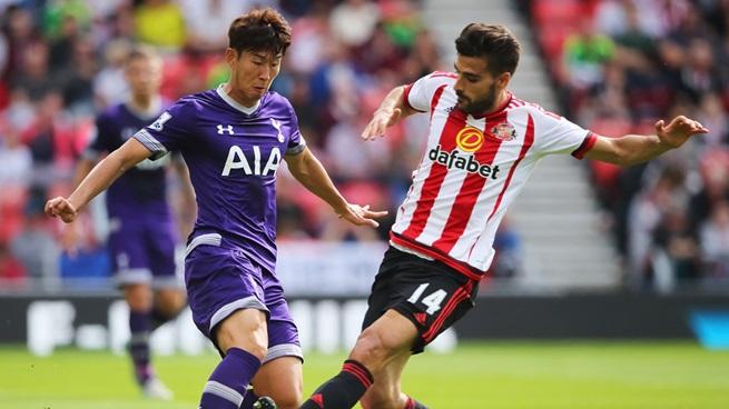 Son Heung-min (Tottenham) y Jordi Gómez (Sunderland) [Fotografía: Sunderland AFC]
