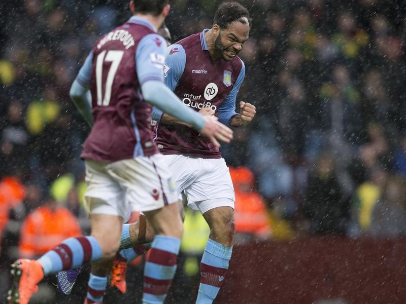 Joleon Lescott celebra su gol al Norwich | Fotografía: Aston Villa FC