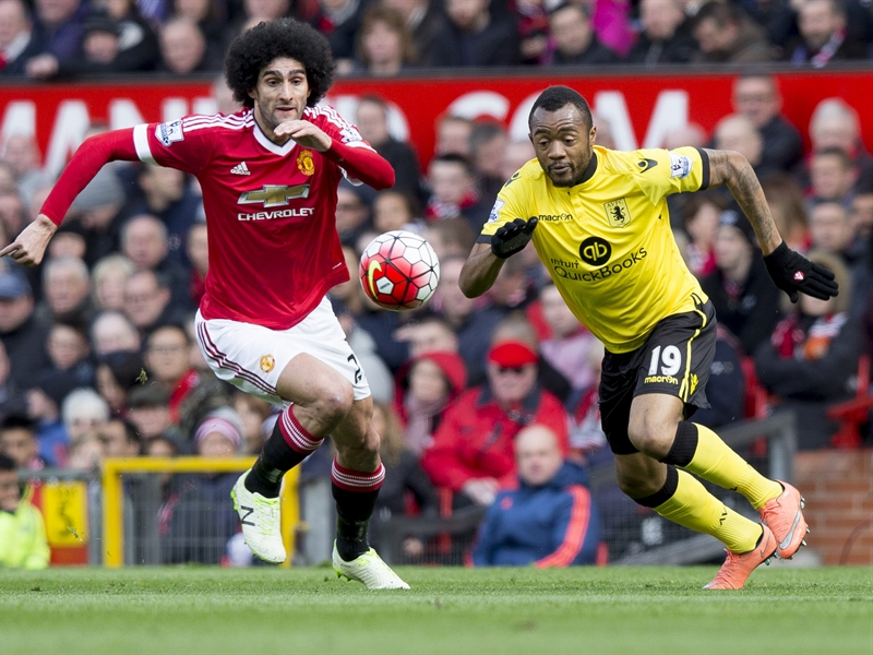 Jordan Ayew, en el partido ante el Manchester United | Fotografía: Aston Villa