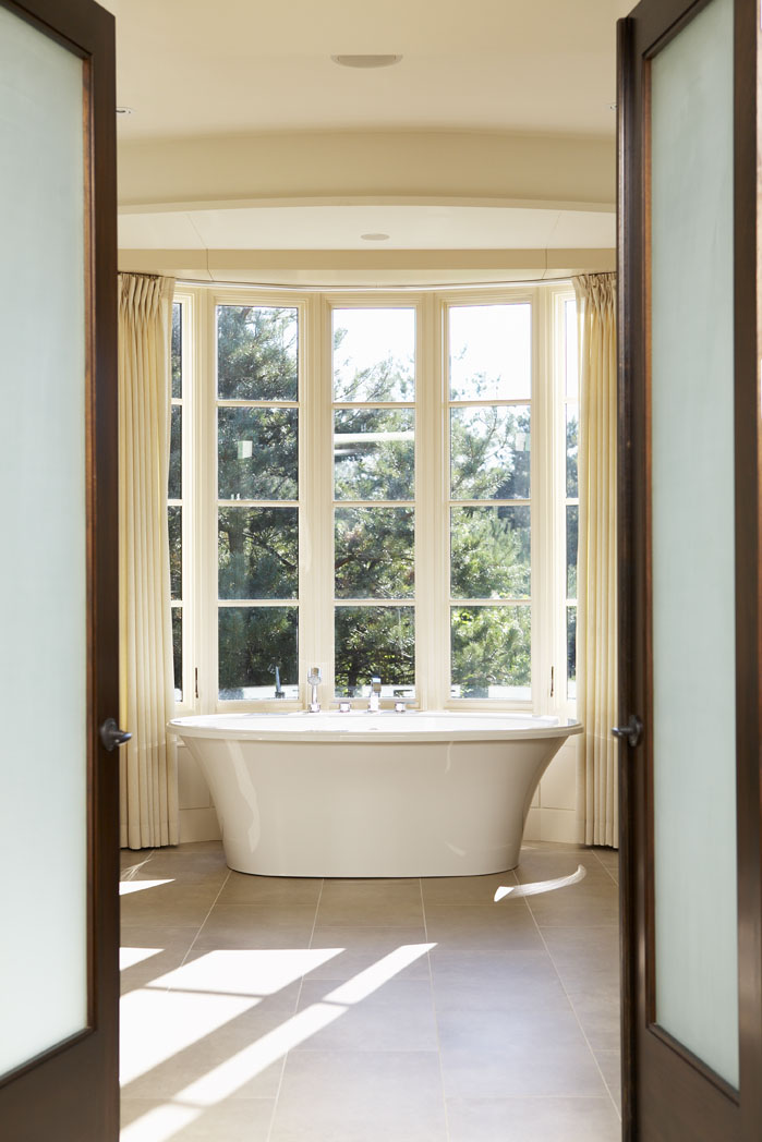 9_Bathroom.jpg