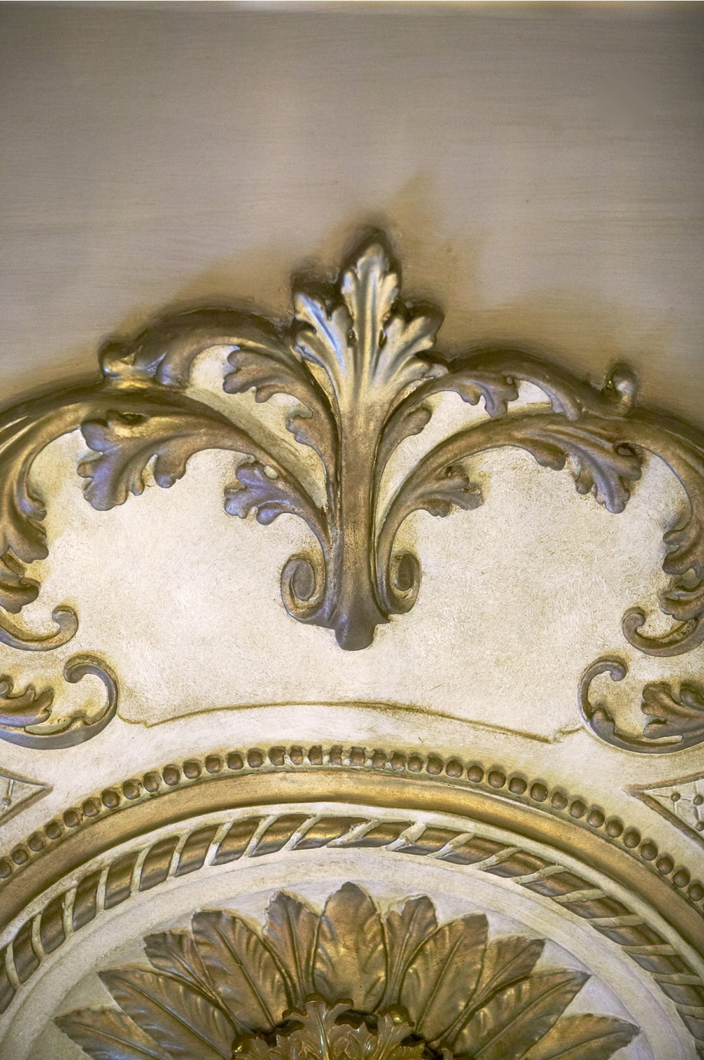 35-carved moulding dtl.jpg