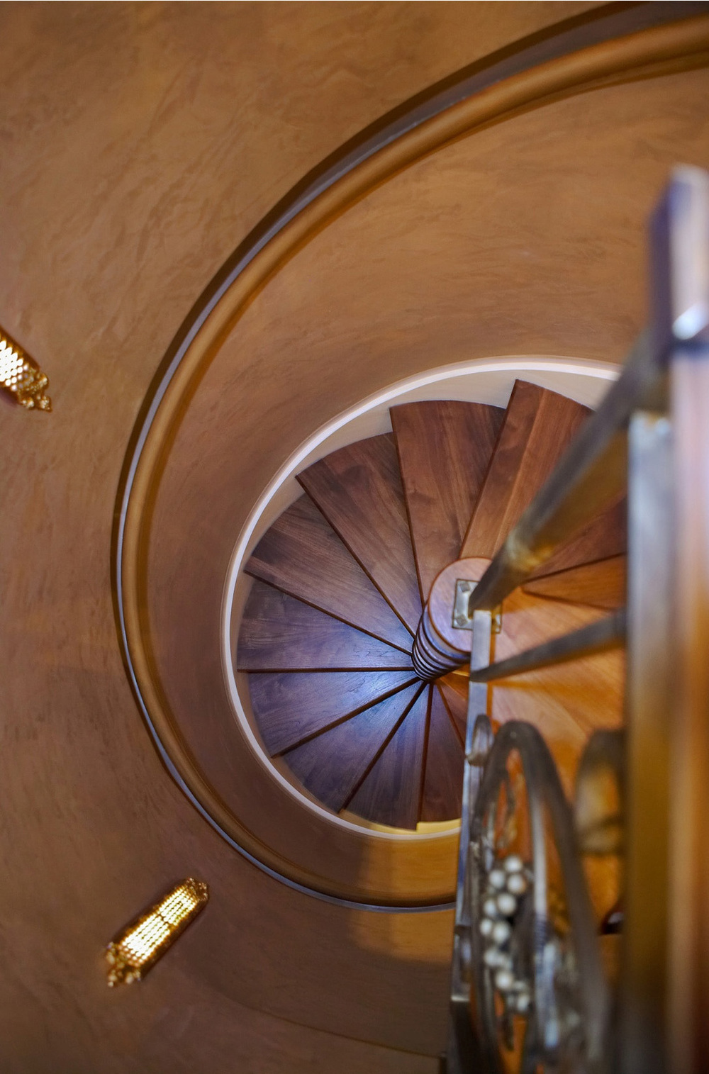 65-spiral stair from top.jpg
