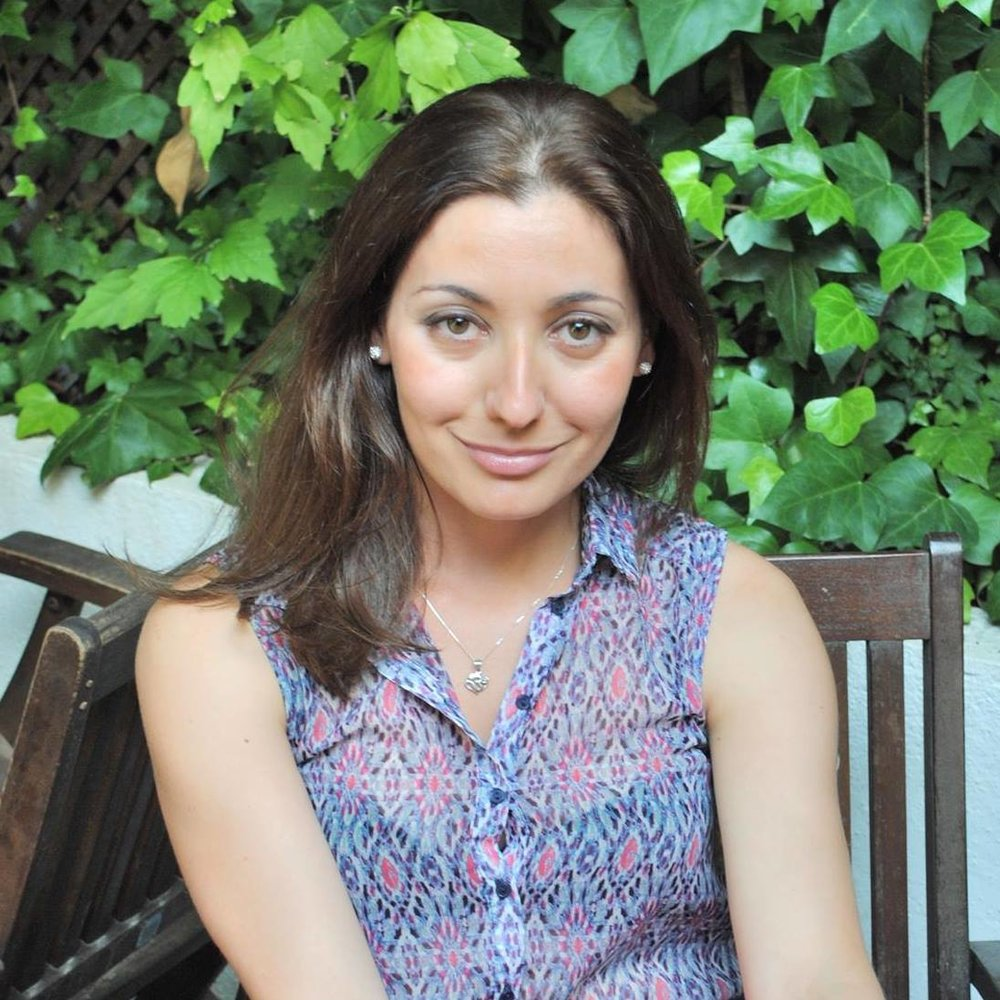 "CHANTAL DI DONATO // www.liveleanhealth.com Chantal is a plant based lifestyle Expert, Yoga Teacher, Author, Nutrition and Diet Advisor, with NLP, and founder of Live Lean Health and Live Lean TV. Currently studying Mindfulness coaching as well as Biomedicine.  What is your favourite Wunder product? I actually love them all but my favourite, and one I cannot live without is the Instantly Golden Classic, which I also use in my Innocently Sweet Lemon Tart . What do you use it for or why? The reason I love the Classic blend is that it is smooth and easy to drink on a daily basis (and I drink it about 4 times a day). The most important difference  to me (compared to other brands) is that the turmeric is smooth and not burned, which seems to be a common thread among a lot of turmeric I have tried. But also, the consistency of the drink is rich and soothing. It is a perfect ""cold weather"" drink and an excellent cold drink when needed. It is the easiest way for me to indulge in a drink I love and have my daily intake of turmeric, which is one of my staples as an anti-inflammatory and healing herb/root. In my dessert, this mix works brilliantly as it has the perfect consistency for creamy desserts like tarts and cheese cakes."