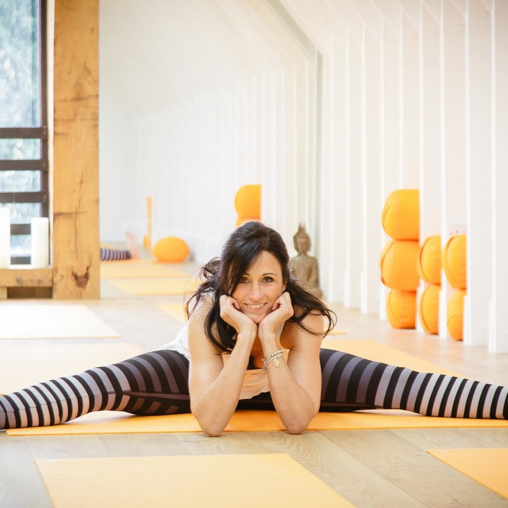 JUSTINE POULTER // www.justineyoga.co.uk My favourite product is your Instantly Golden Latte Turmeric x Cacao blend as a treat before bedtime. I'm a busy mum of 5 children ranging from 22 to 12 (three girls and two boys). I am also a yoga teacher of Vinyasa and Bikram yoga.  I have recently opened a small studio at home, which is building up gradually.  Through my yoga and Ayurvedic teachings I have learned about all the beautiful benefits and healing properties of turmeric and even now I'm learning that it may have benefits for my dad who suffers from Alzheimers. I found your products to be so easy and fantastic quality. I love that it is vegan and organic. Only my dentist complains as it slightly stains my teeth but nothing a bit of cleaning can't sort - she even suggest I drink it through a straw!!