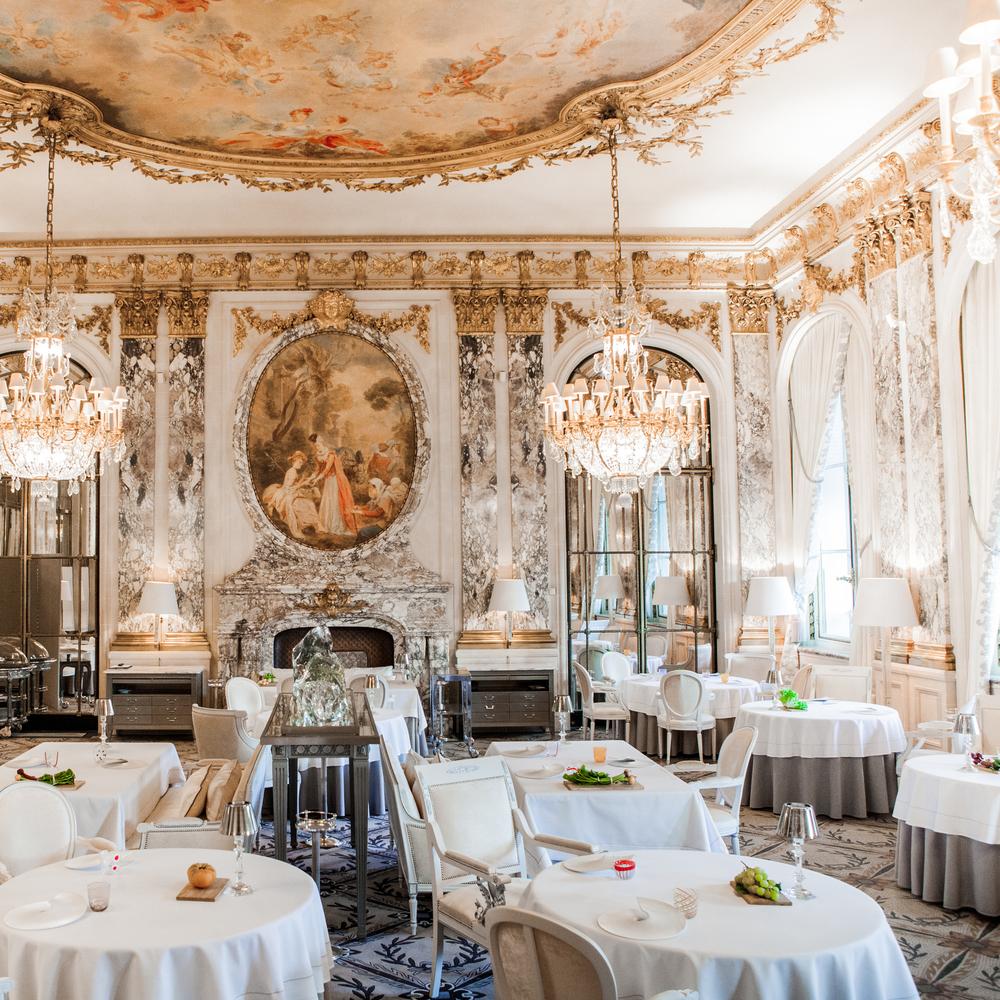 Restaurant le Meurice Alain Ducasse Salle Pierre Monetta SQ.jpg