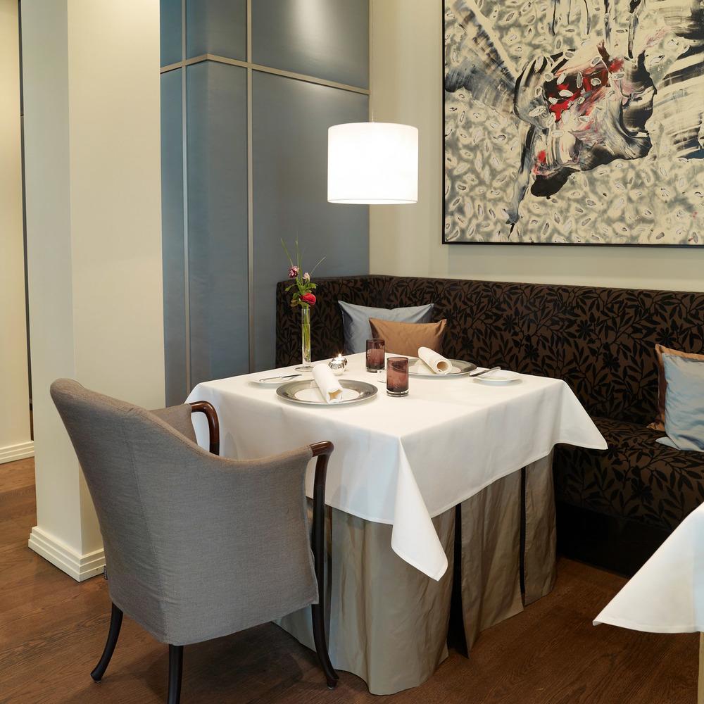 la_vie_restaurant_interior_w.jpg