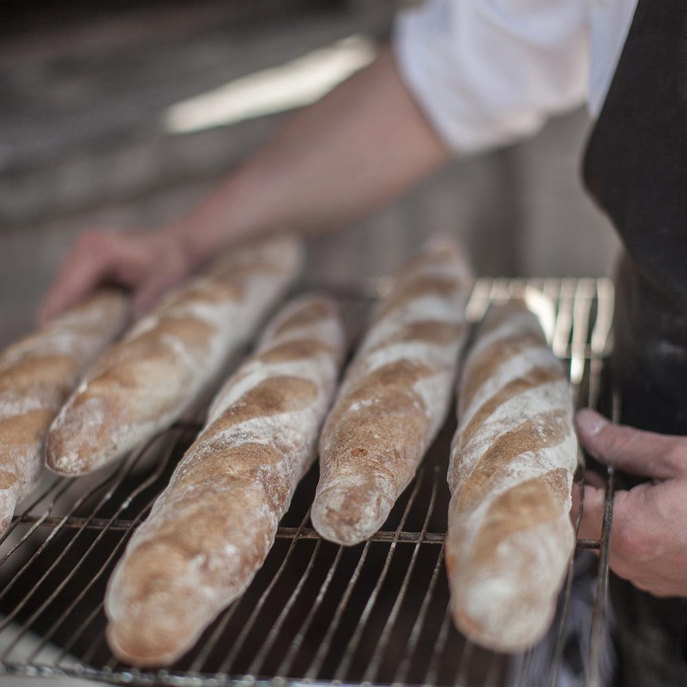 in_de_wulf_piet_dekersgieter_bread_w.jpg