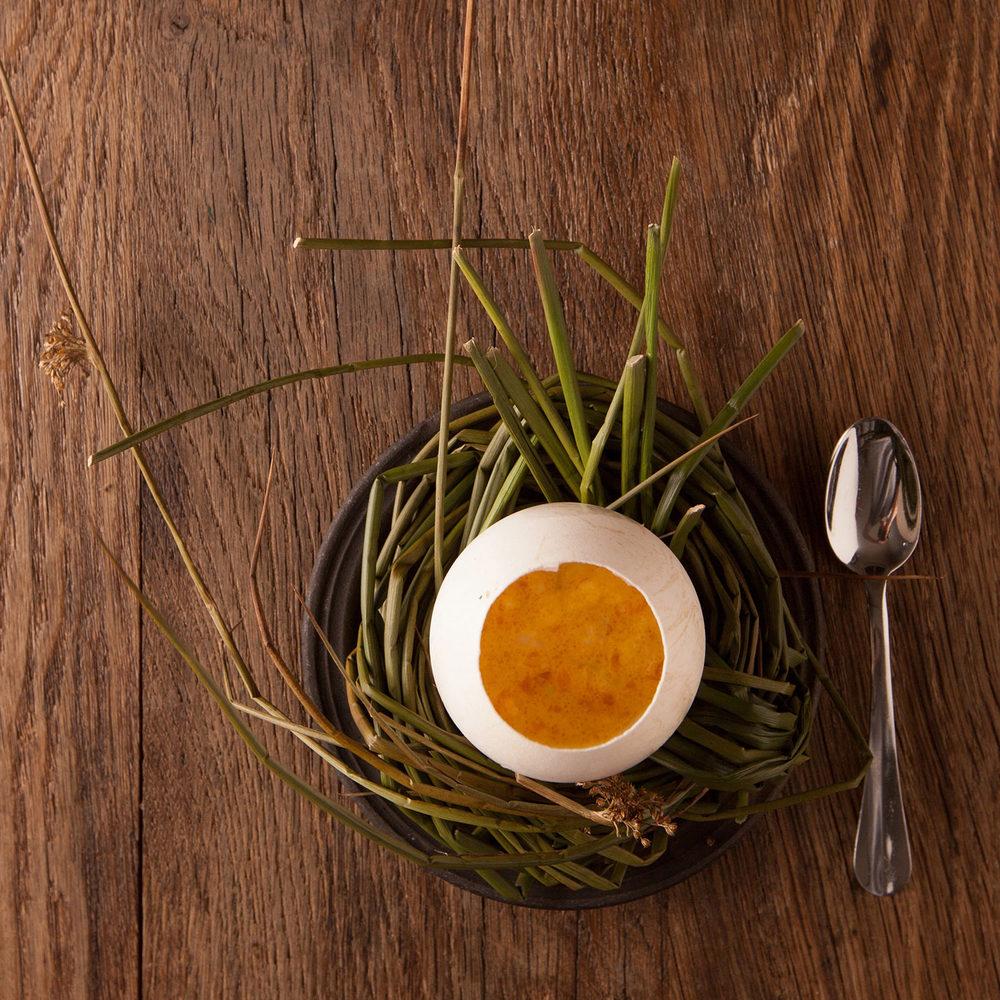 in_de_wulf_piet_dekersgieter_egg_w.jpg
