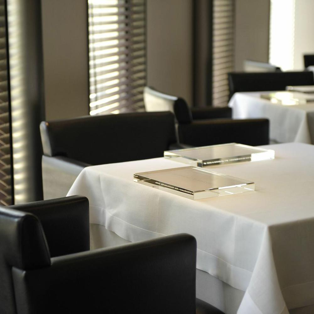 narisawa_restaurant_interior_2w.jpg