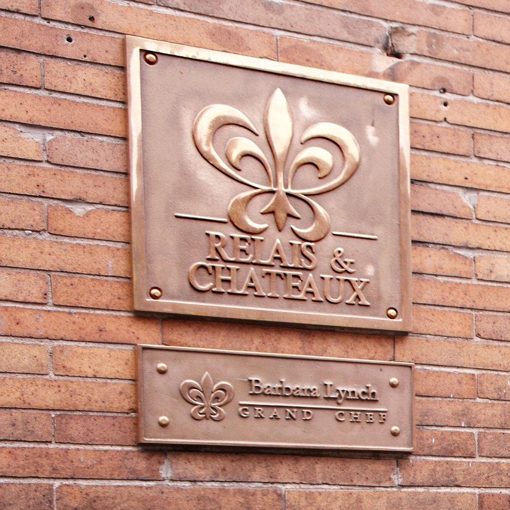 Menton-Exterior_signage.jpg