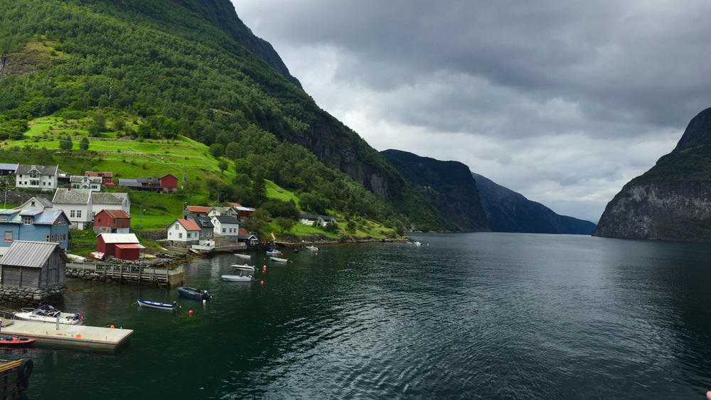 Undredal-Brygge-Aurlandsfjord-Norway