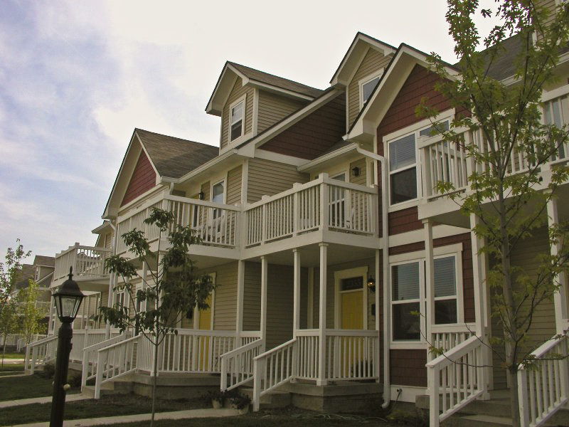 Fall Creek Townhomes 01_1.jpg