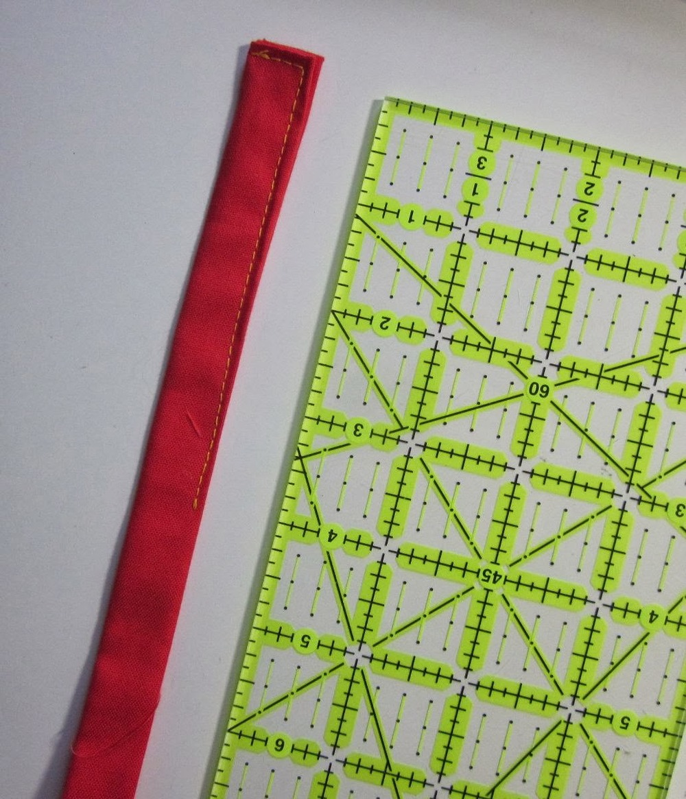 Quilt+Potholder+sewing+loop.jpg