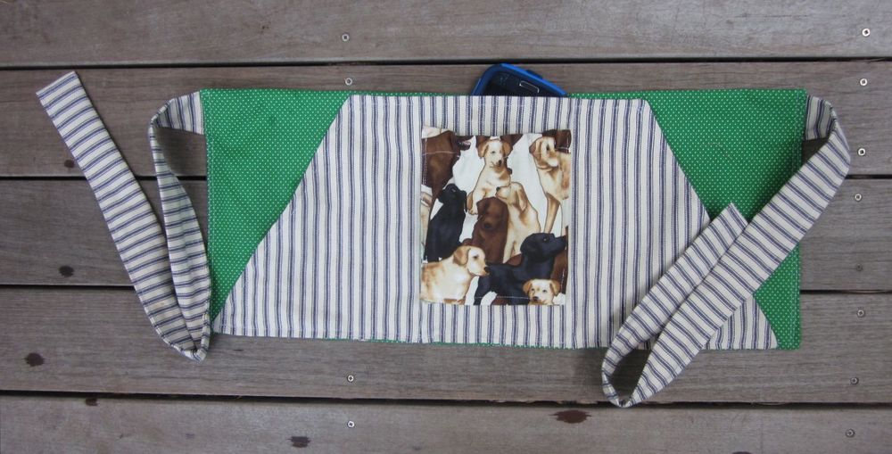 Dog Training Apron Tutorial   (Click text to open Tutorial)