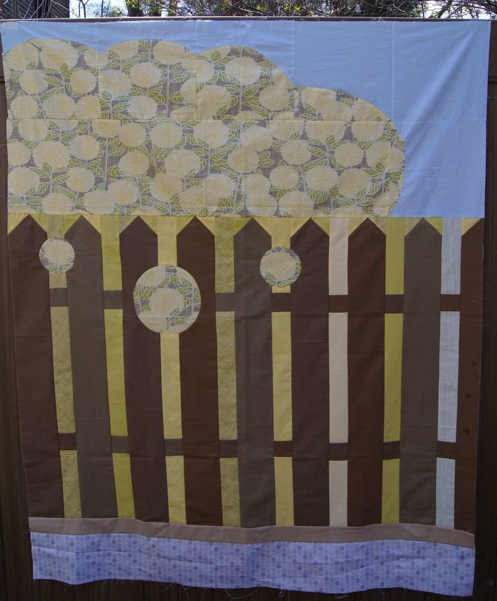 Hydrangea on the fence, quilt top