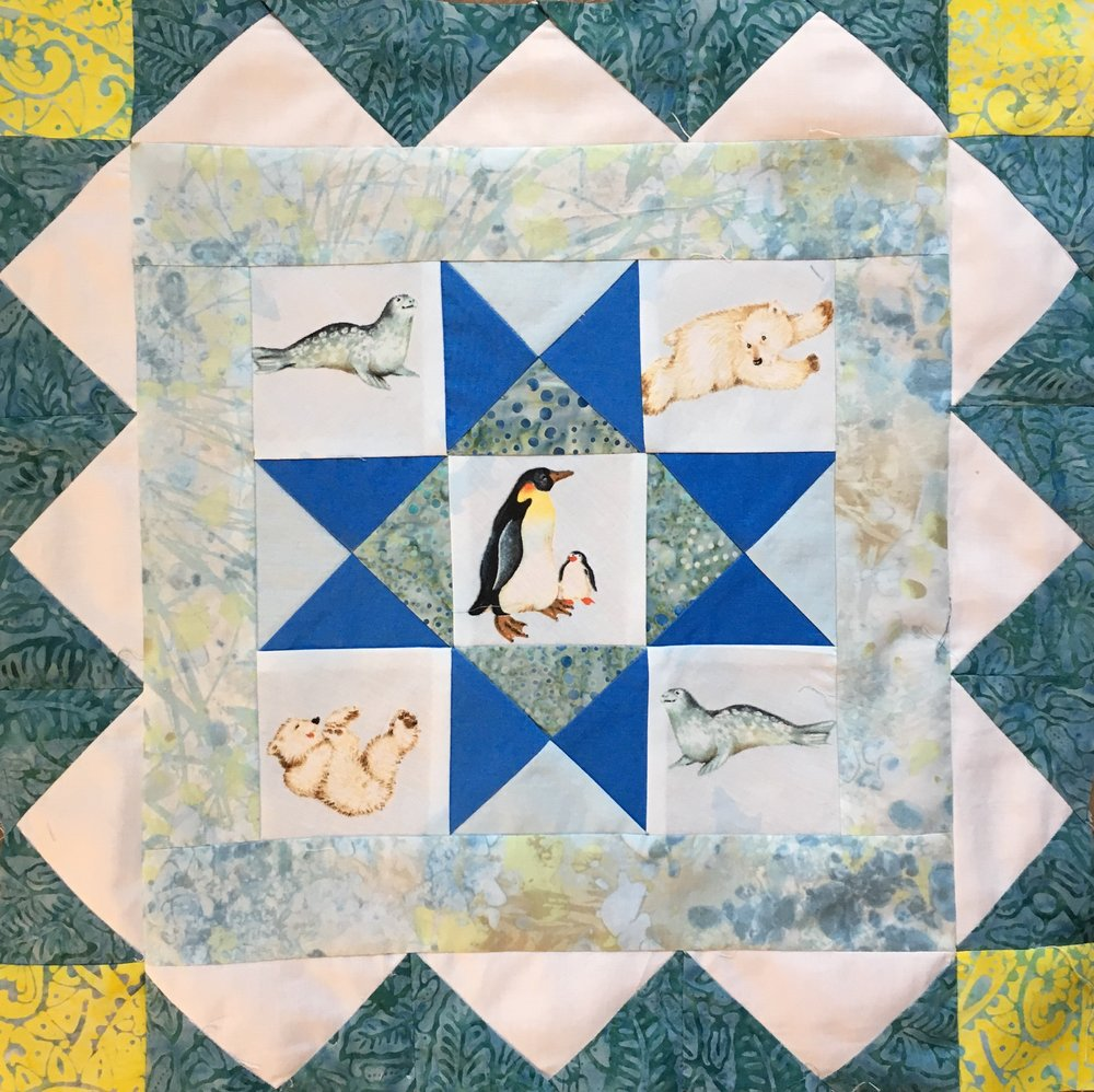 Polar Medallion Quilt, first 2 rounds