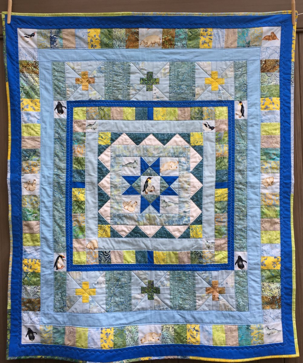 Polar Medallion Quilt44 x 50 inches