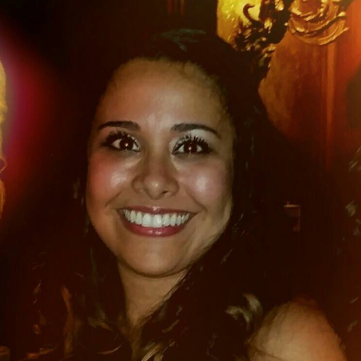 Gabriela Benitez  @gabsarella