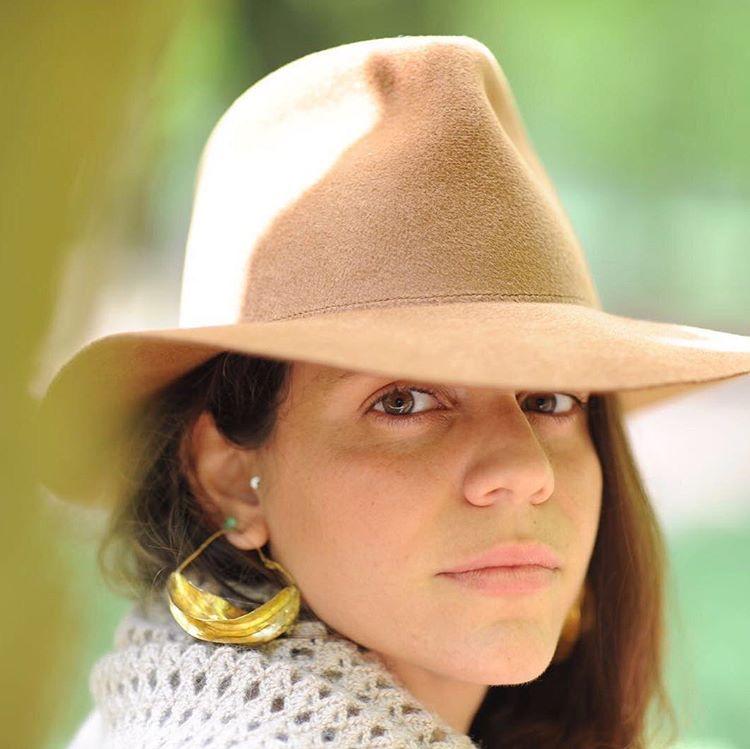 Andreea Gina Valma   @andreeavalma