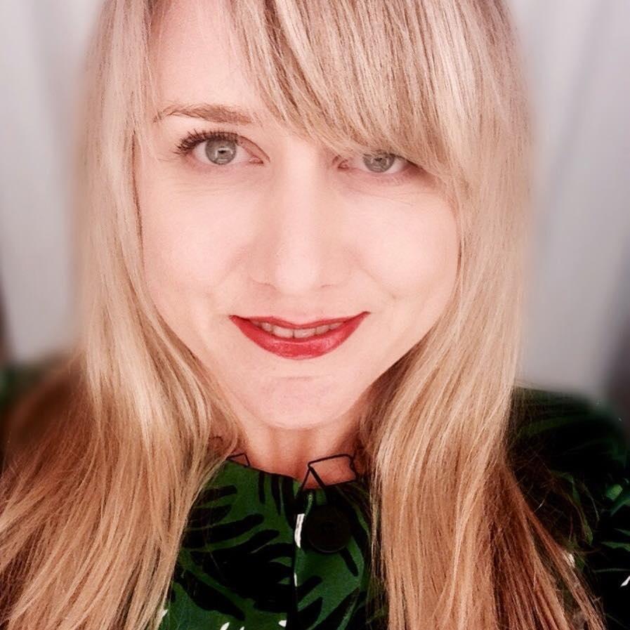 Meredith Beattie   @laseagrape