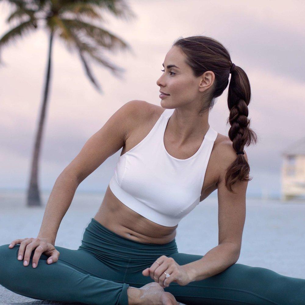 Jennifer Pansa | Wellness Entrepreneur  Yoga + Essential Oils   www.jenniferpansa.com    @jenniferpansa