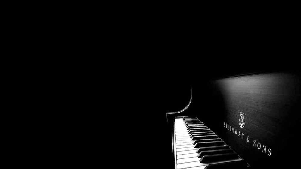 Black adn white piano.jpg