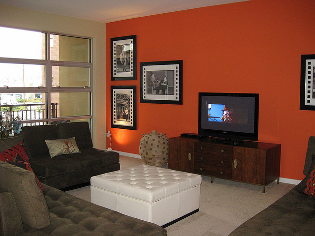 orange-accent-wall.jpg