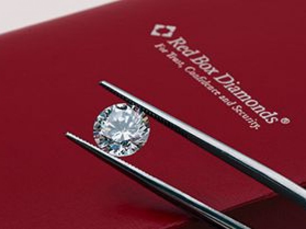 Red Box Diamonds - Red Box Diamonds from Rogers & Co. are hand selected and individually graded diamonds of the finest quality. We offer: