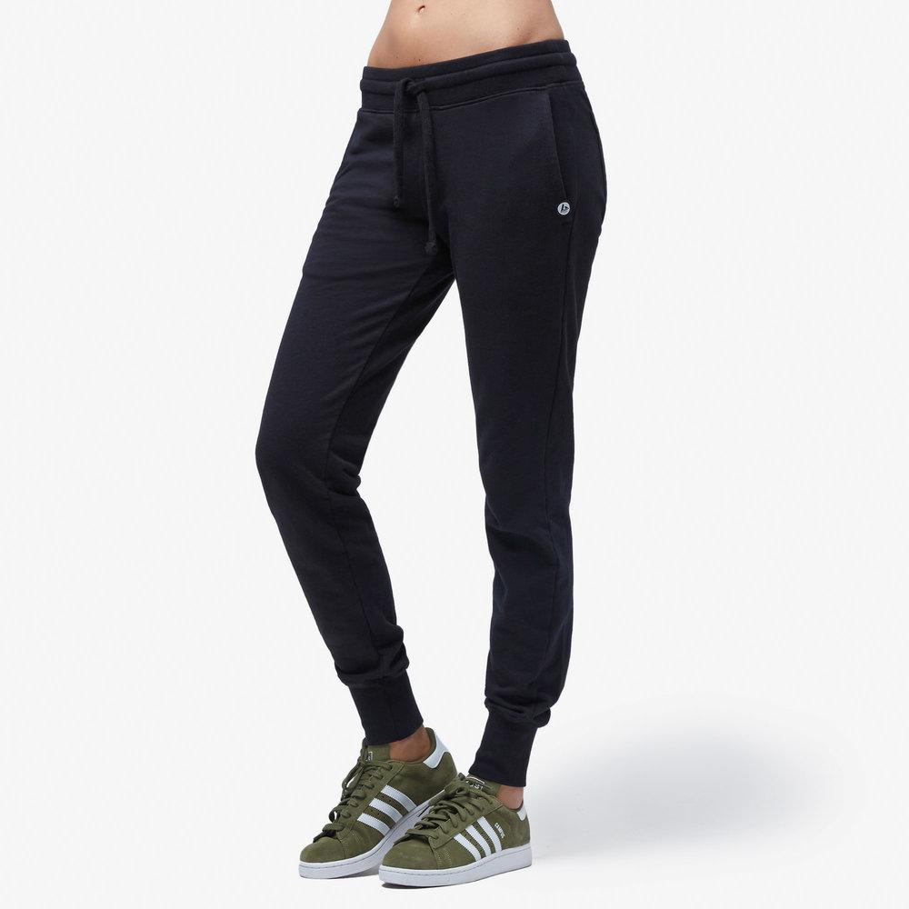 women-jogger-black.jpg