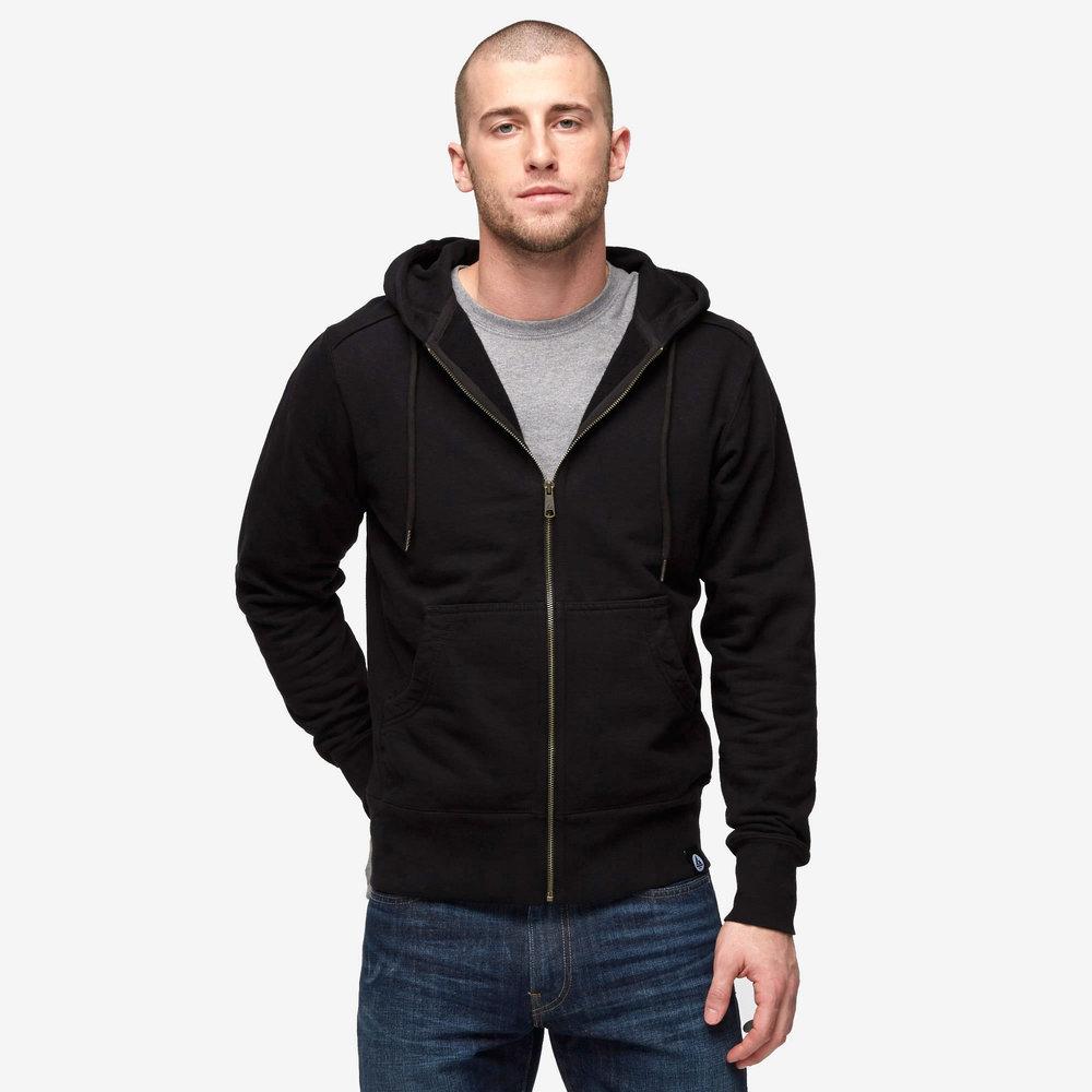 men-classic-zip-black.jpg